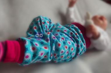 Partnerlook: Babyhose und Schmusetuch im passenden Look
