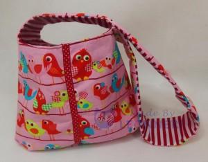 Eine kunterbunte Tasche für kleine Mädchen