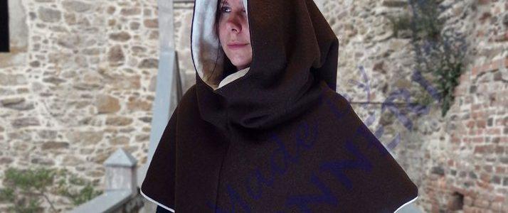 mittelalterliche Gewandung