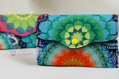 Portemonnaies in knalligen Farben